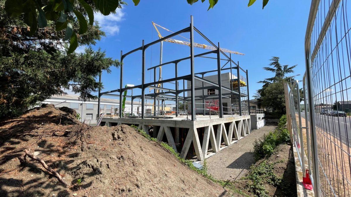 Au 49 Rue des Sauzes à Aubière, les travaux de notre projet de bureaux avancent bien.